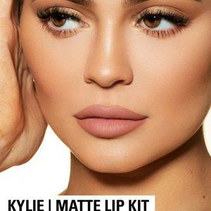 "Kylie Cosmetics ""Kylie"" Lip Kit"